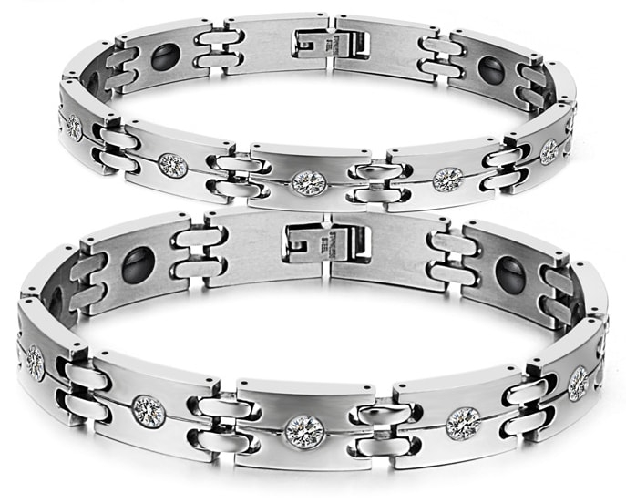 Magnetic Link Bracelet with clear Austrian crystals